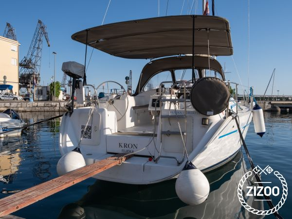 Sailboat Beneteau Cyclades 39.3 (2006)-1