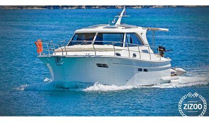 Barco a motor Sas Vektor Adriana 36 BT (2021)